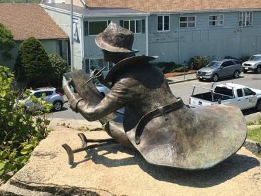 Gloucester statue 2
