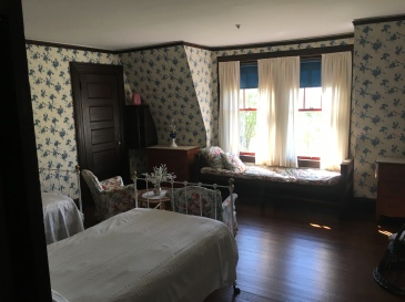 Franklin cabin 35